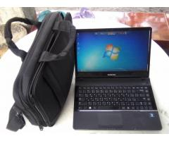 Laptop NP300E4A 13K with free bag